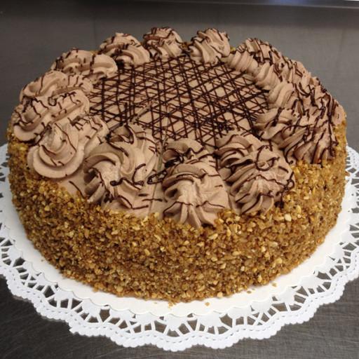 Nougat-Krokant-Sahne-Torte