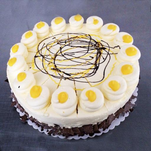 Eierlikör-Buttercreme-Torte